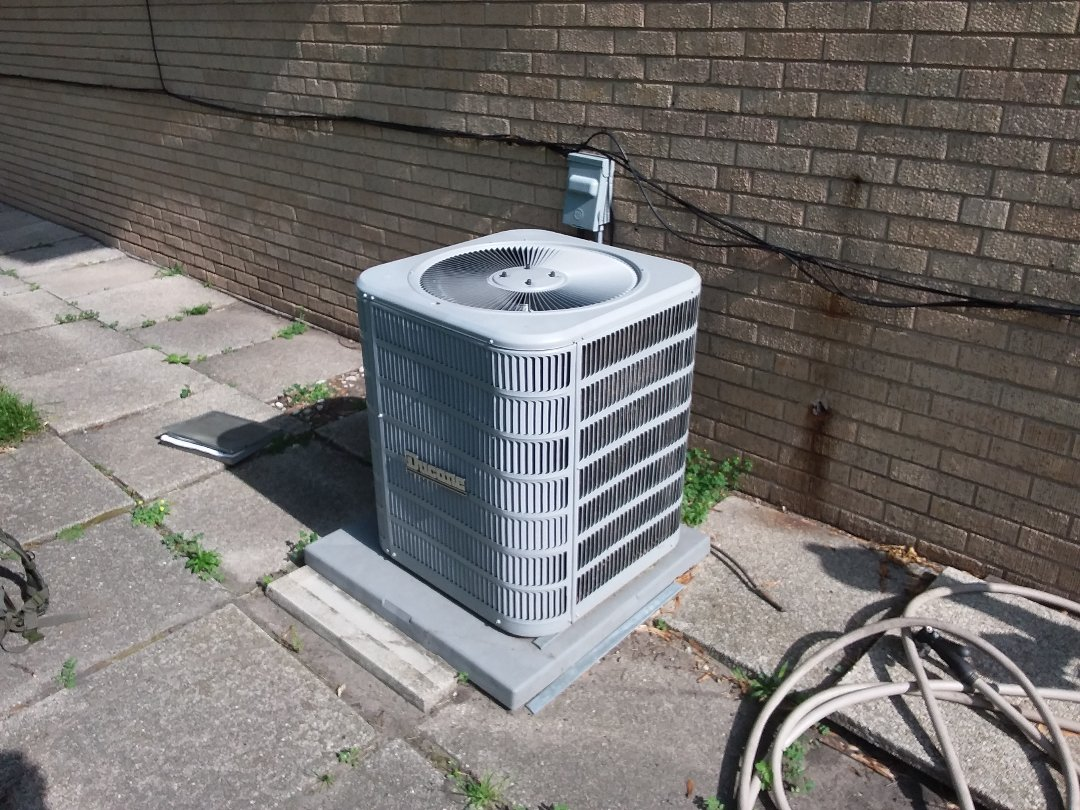 Skokie, IL - Cleaned and checked a/c