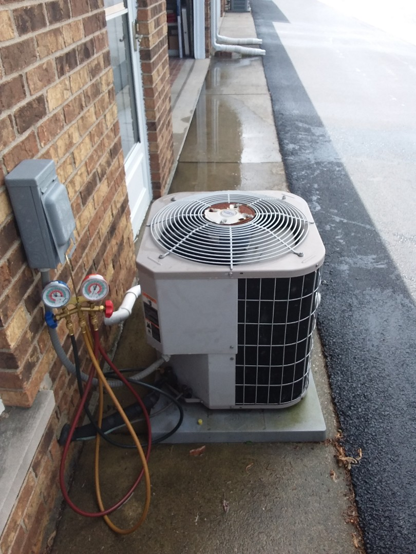 Orland Park, IL - Maintaining Carrier AC system