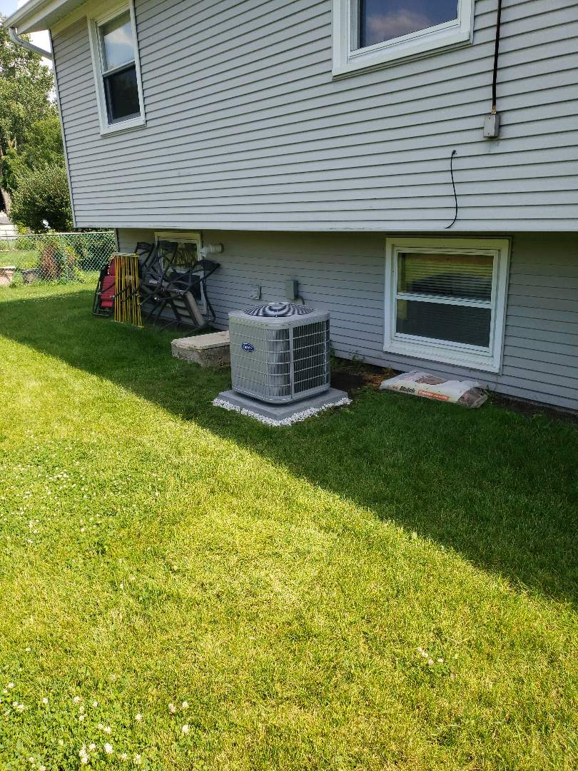 Buffalo Grove, IL - Carrier air conditioner installation
