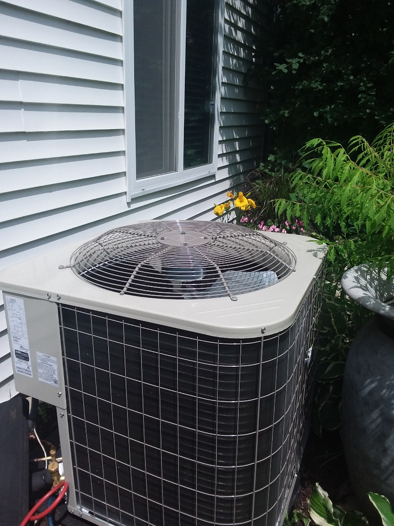 Streamwood, IL -  installation of Payne air conditioner