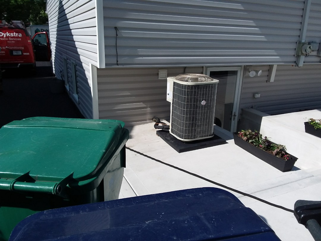 Lombard, IL - Installation of new Payne air conditioner replacing old carrier air conditioner