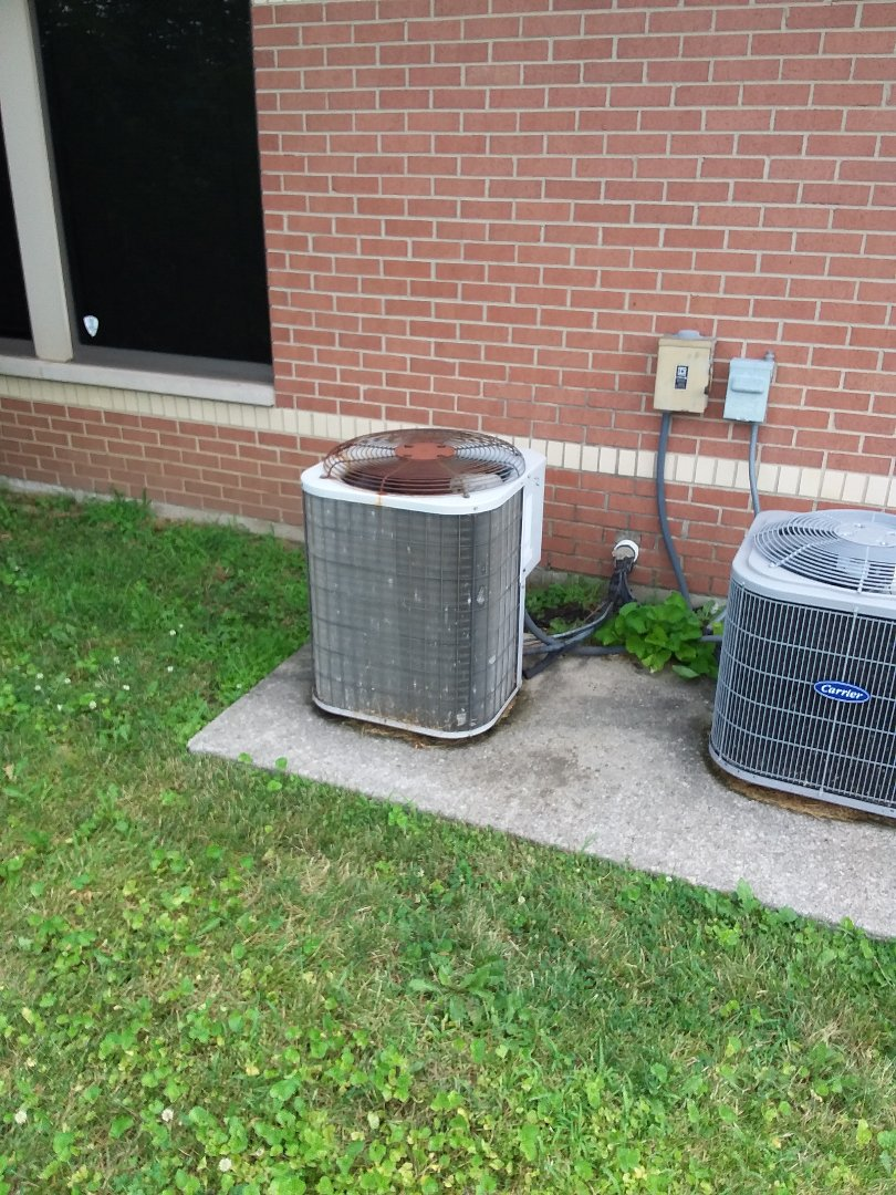 Richton Park, IL - Carrier coil and condensing unit replacement