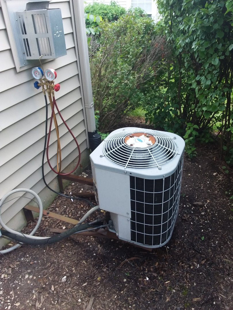 Aurora, IL - Maintaining Carrier AC system