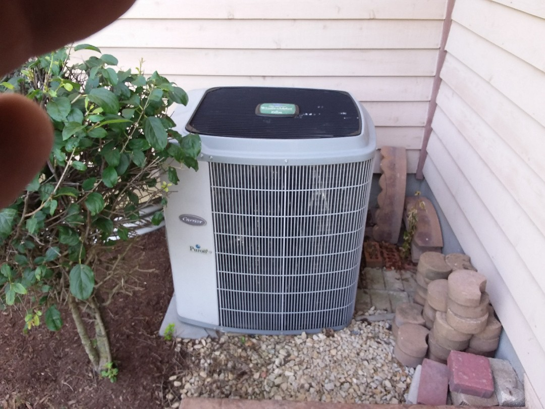 St. Charles, IL - Installation of new carrier air conditioner replacing old carrier air conditioner