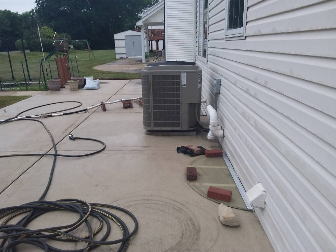Itasca, IL - Cleaned and checked a/c