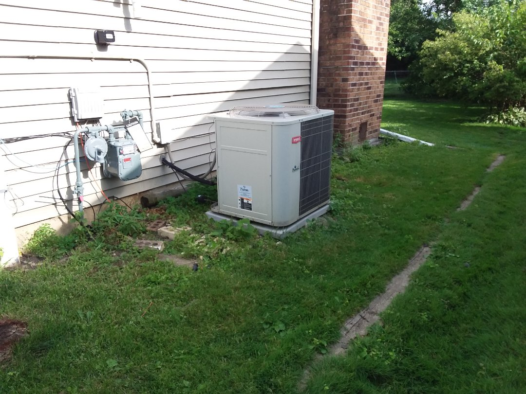 Glendale Heights, IL - Cleaned and checked a/c