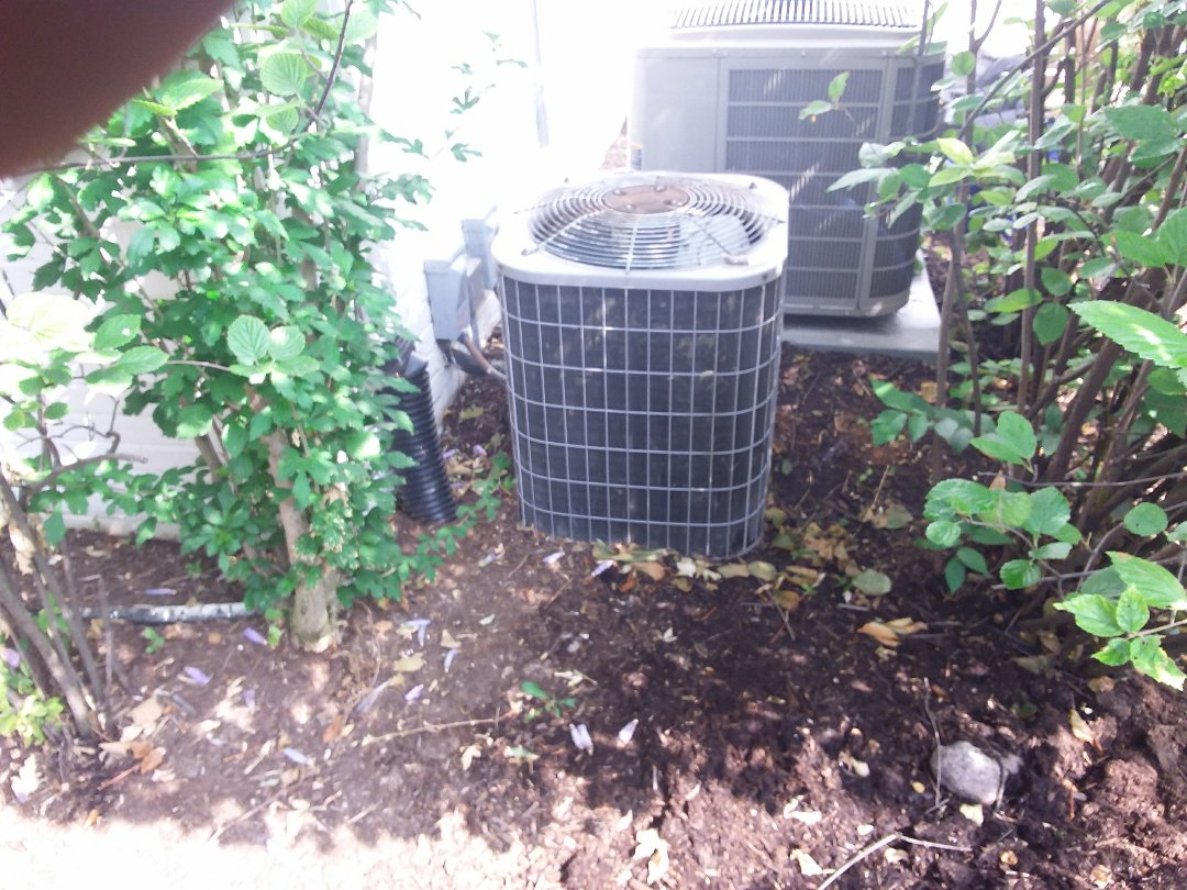 Hinsdale, IL - Installation of new carrier air conditioner replacing old carrier air conditioner