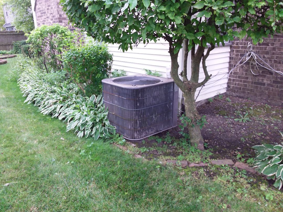 Northbrook, IL - Cleaned and checked a/c