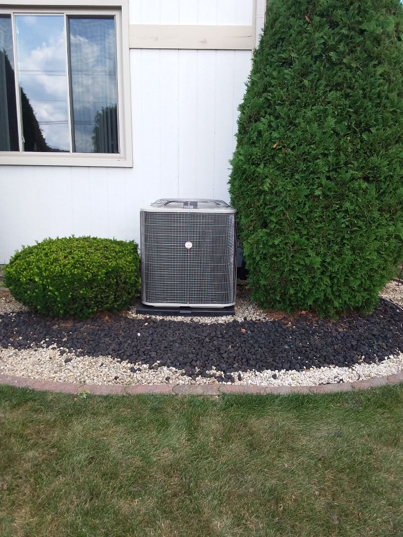 Richton Park, IL - Installation of Payne air conditioner
