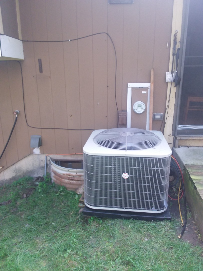 Bolingbrook, IL - Installation of Payne air conditioner and furnace