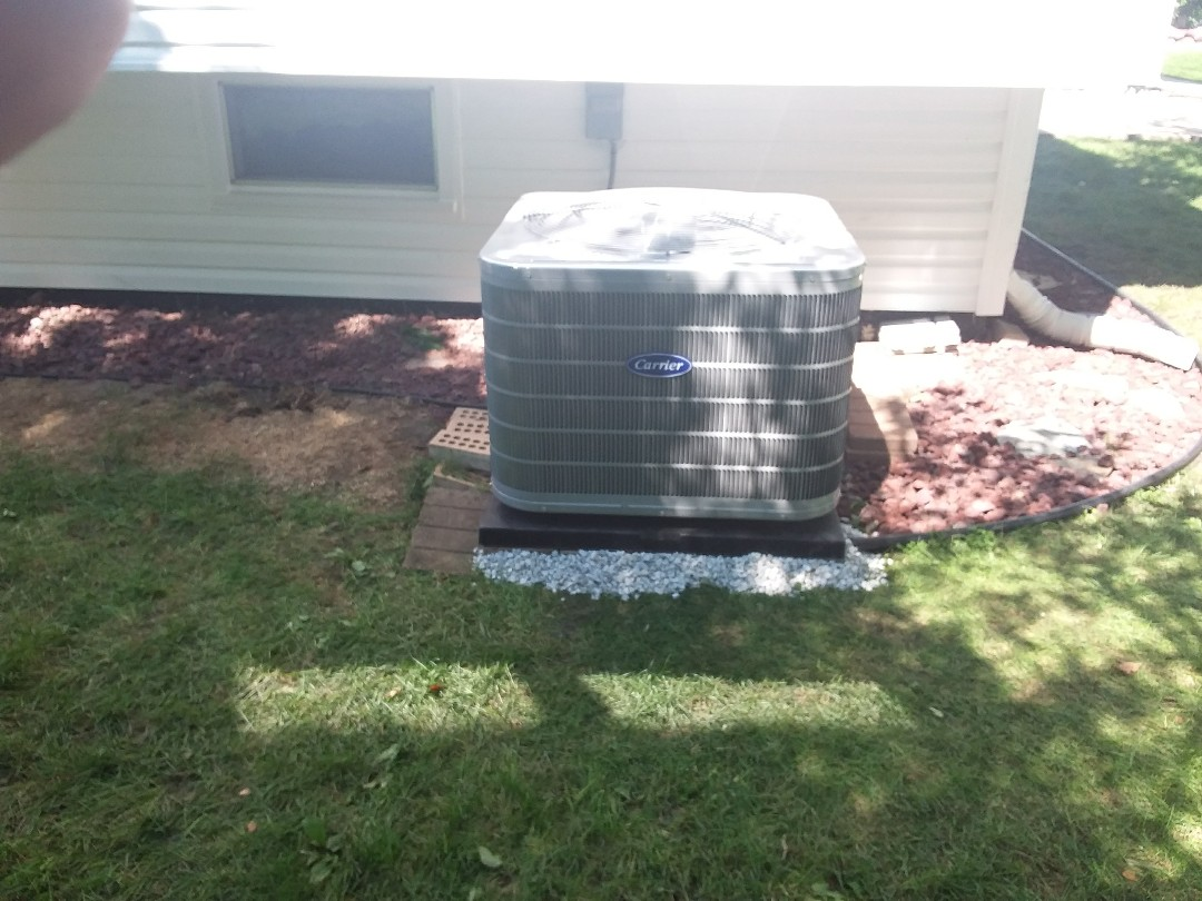 Addison, IL - Installation of new carrier air conditioner replacing old rheem air conditioner