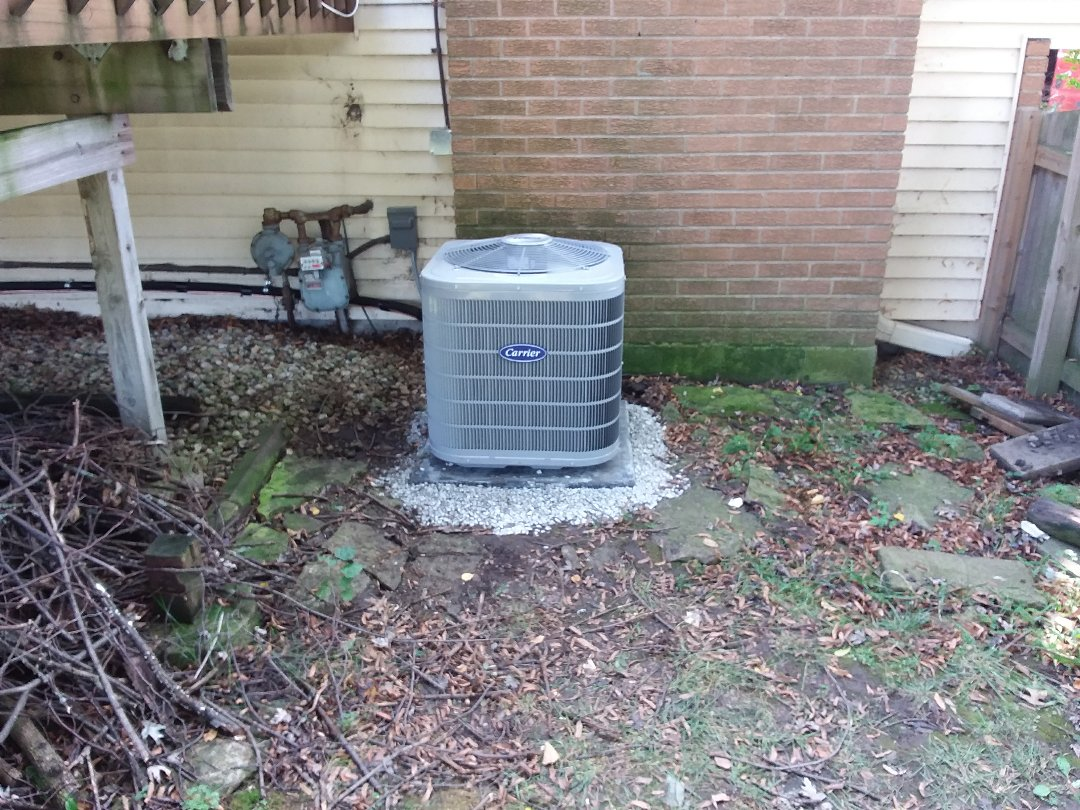 Downers Grove, IL - Installation of new carrier air conditioner replacing old Lennox air conditioner