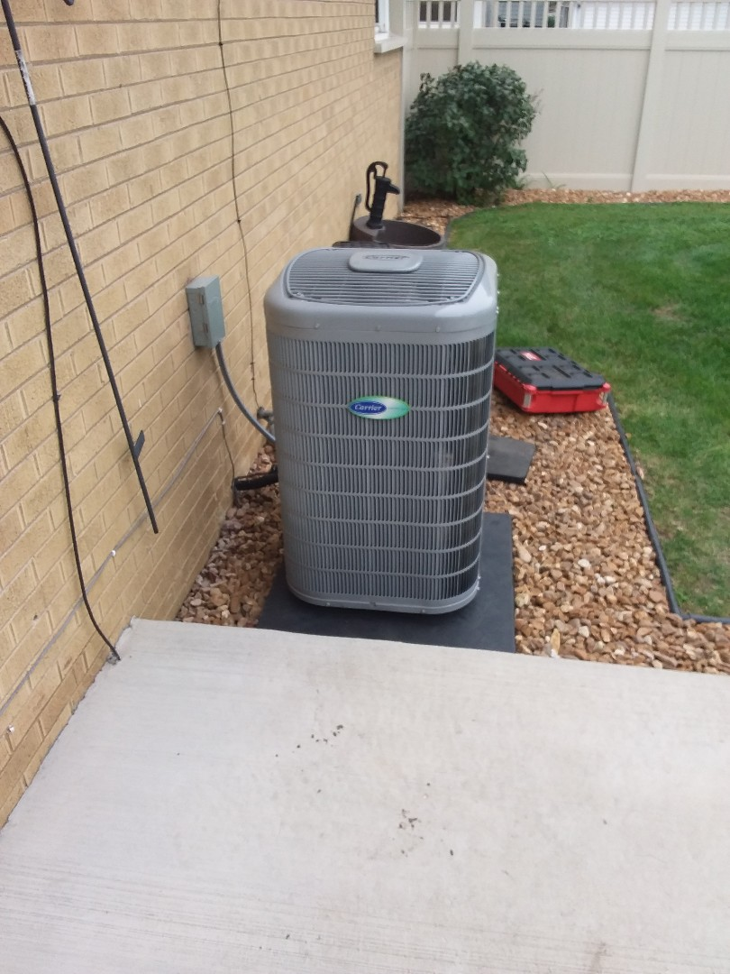 Midlothian, IL - Install of a carrier condenser