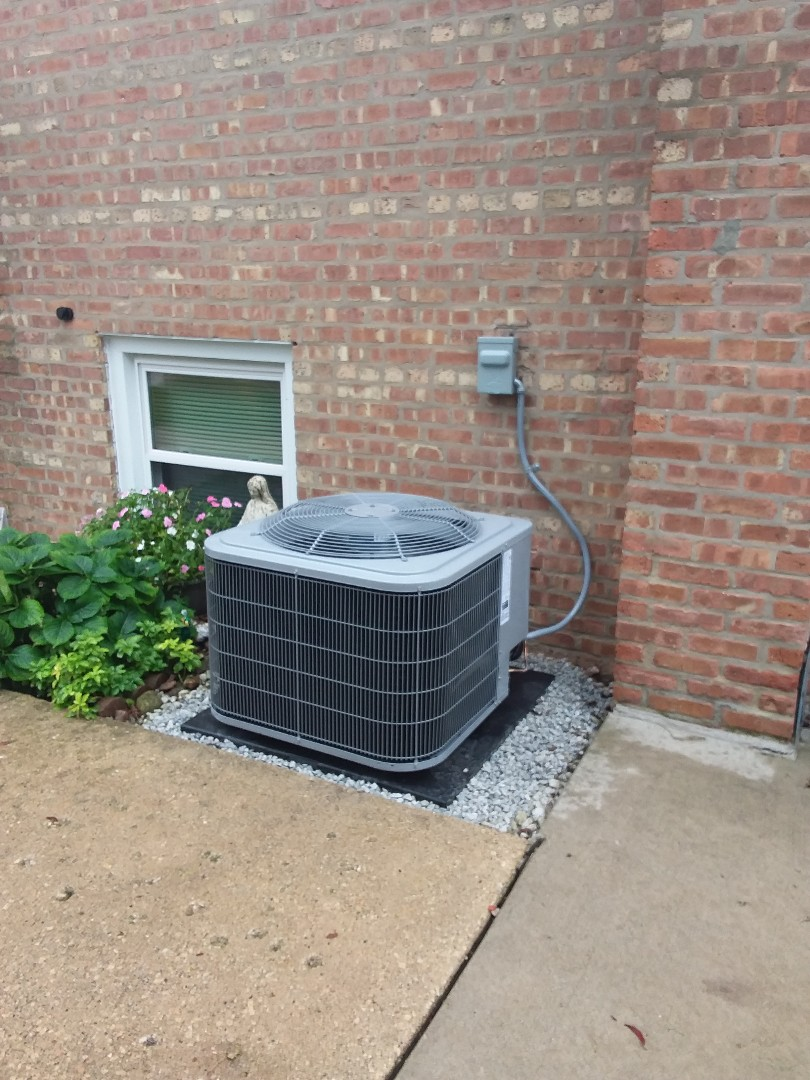 Oak Lawn, IL - Install of a carrier condenser