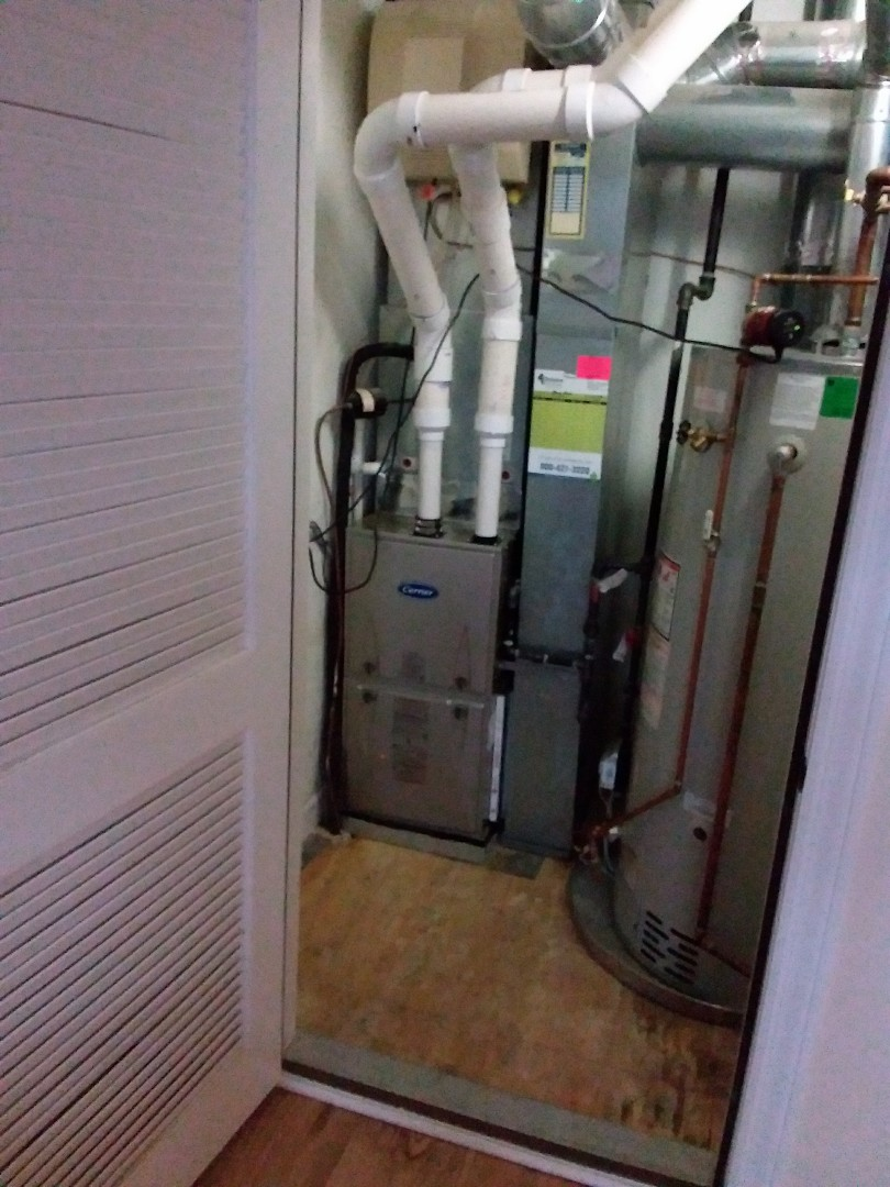 Lemont, IL - Installation of new carrier furnace replacing old trane furnace