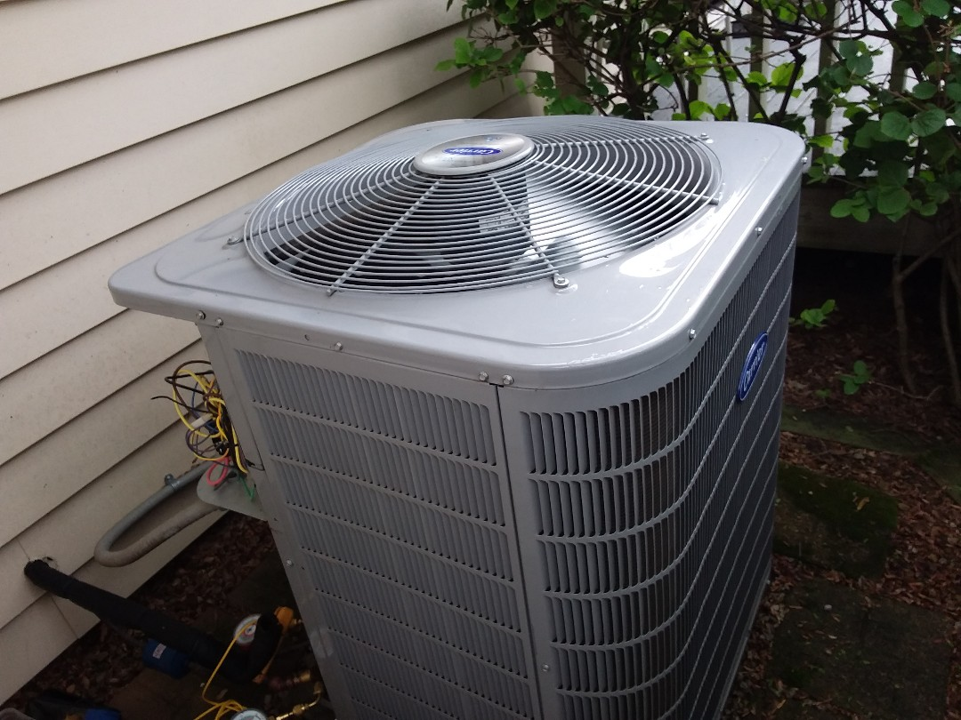 St. Charles, IL - Cleaned and checked a/c