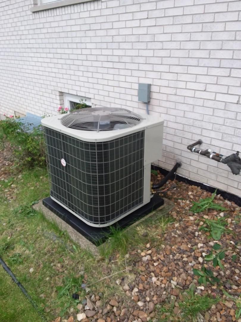 Tinley Park, IL - Condenser/Coil