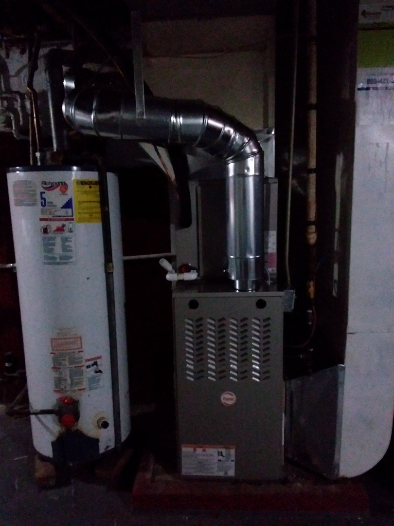 Riverdale, IL - Installation of new Payne furnace replacing old trane furnace