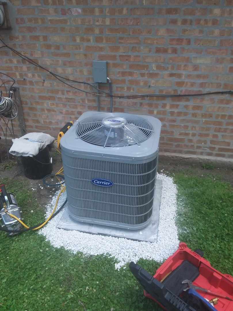Markham, IL - Install of a carrier condenser system