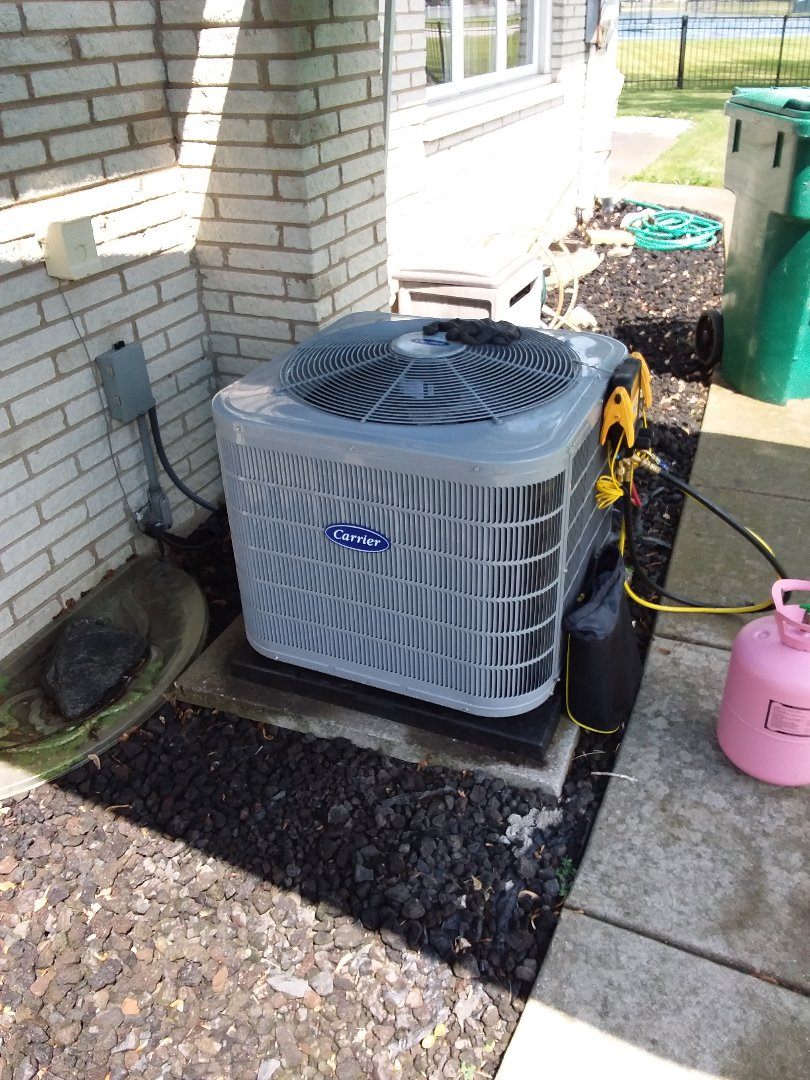 Orland Park, IL - Install of a carrier condenser system