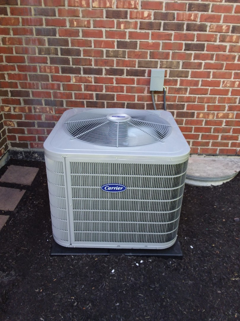 Frankfort, IL - Install of a carrier condenser system