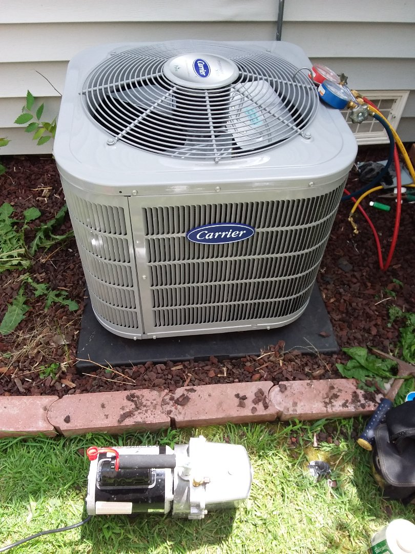 Posen, IL - Install of a carrier condenser system