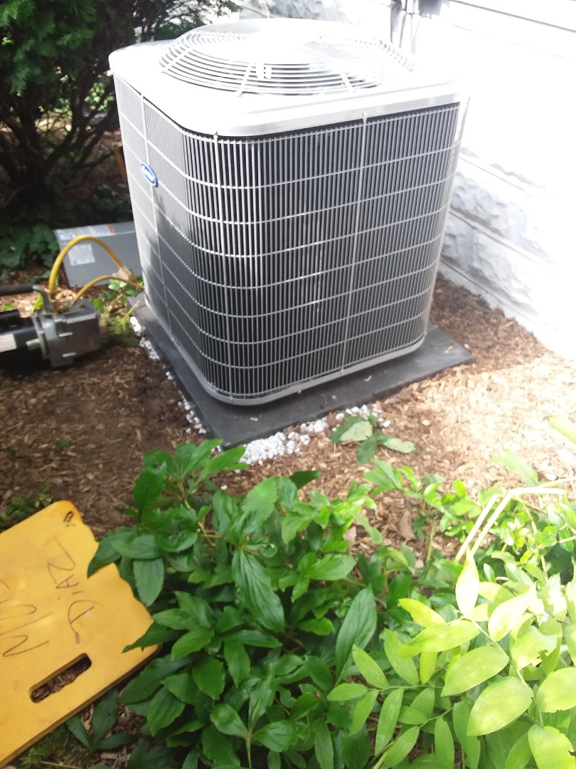 Glen Ellyn, IL - Install of ac carrier condenser