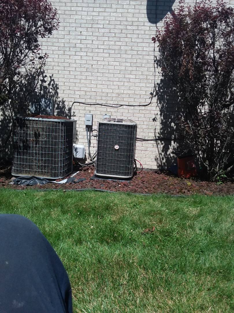 Hazel Crest, IL - Installation of Payne air conditioner and furnace