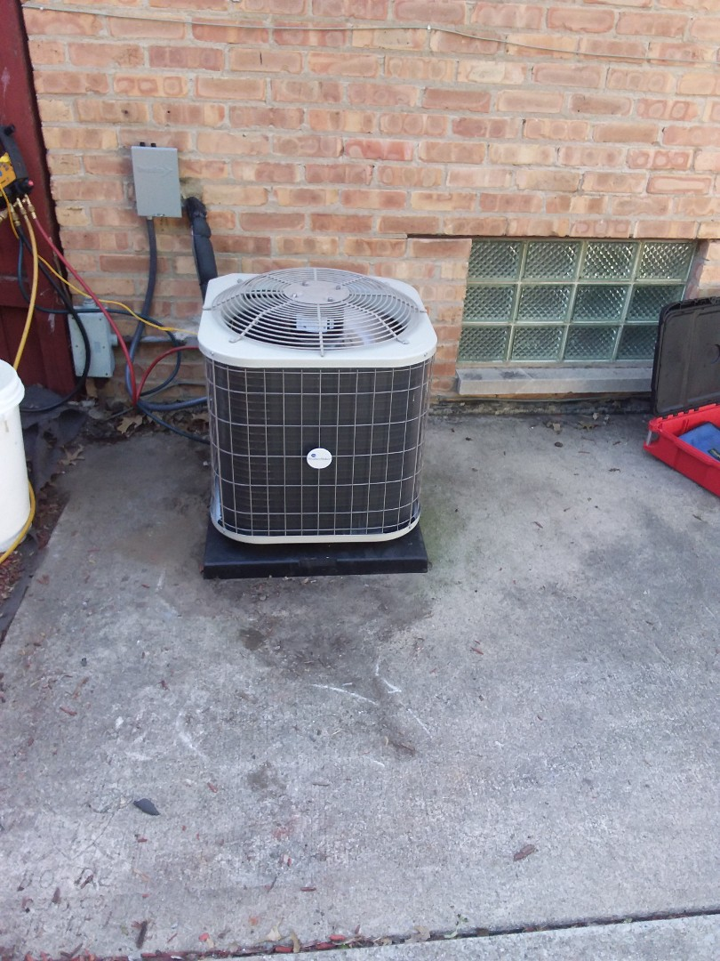 Dolton, IL - Insulation of Payne air Conditioner