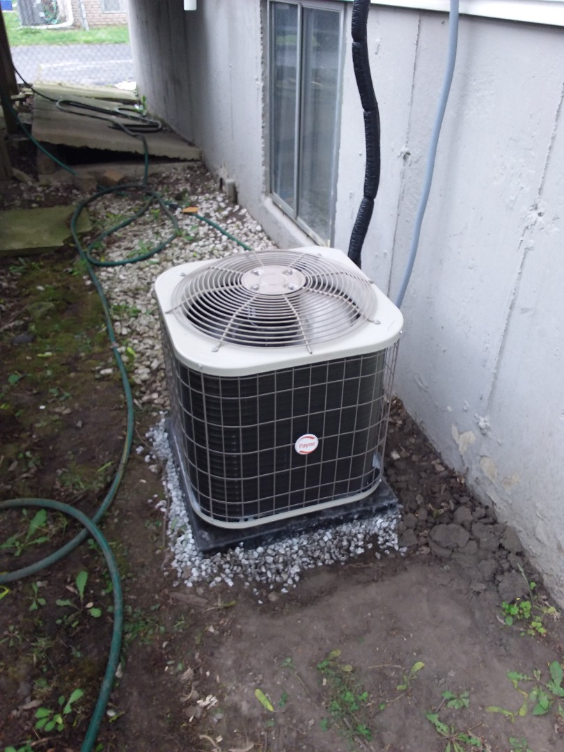 Glenwood, IL - Installation of paying air conditioner
