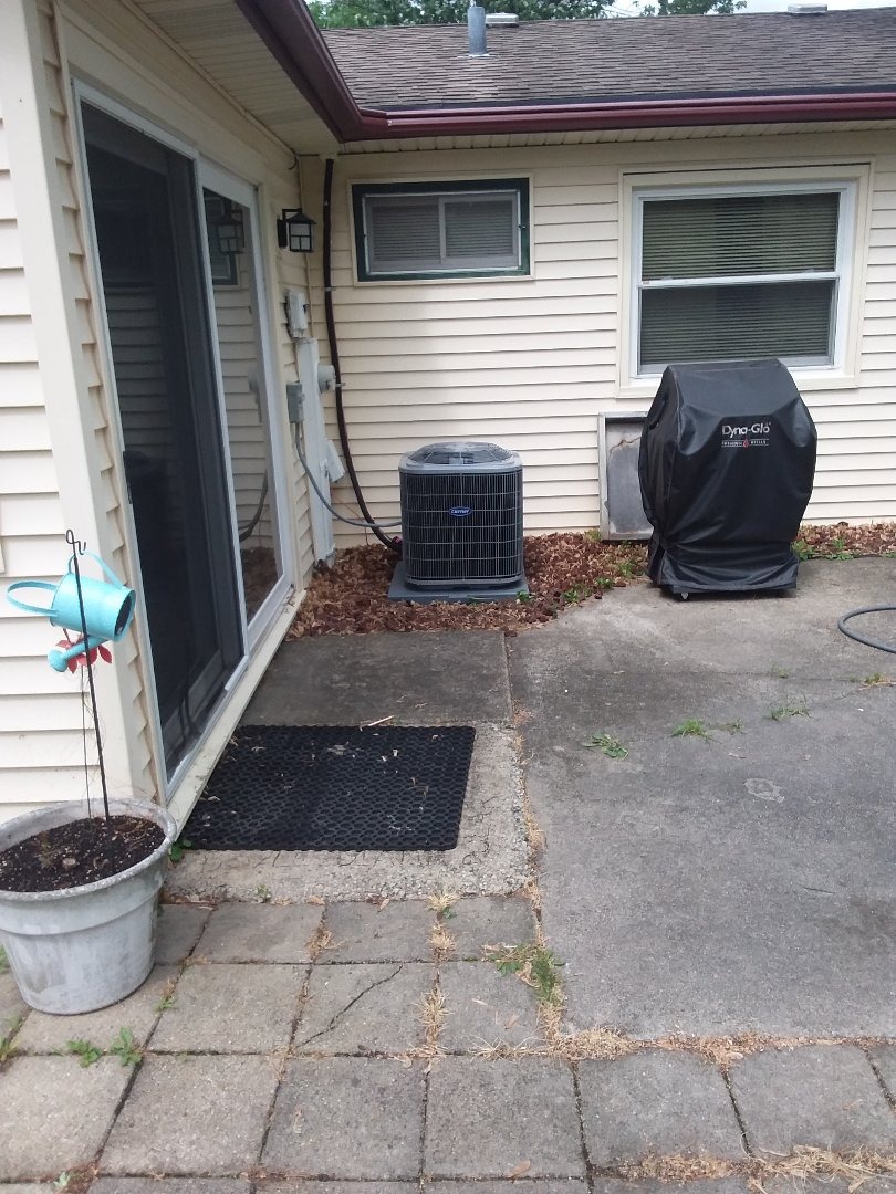 Matteson, IL - Insulation of Carrier Air Conditioner