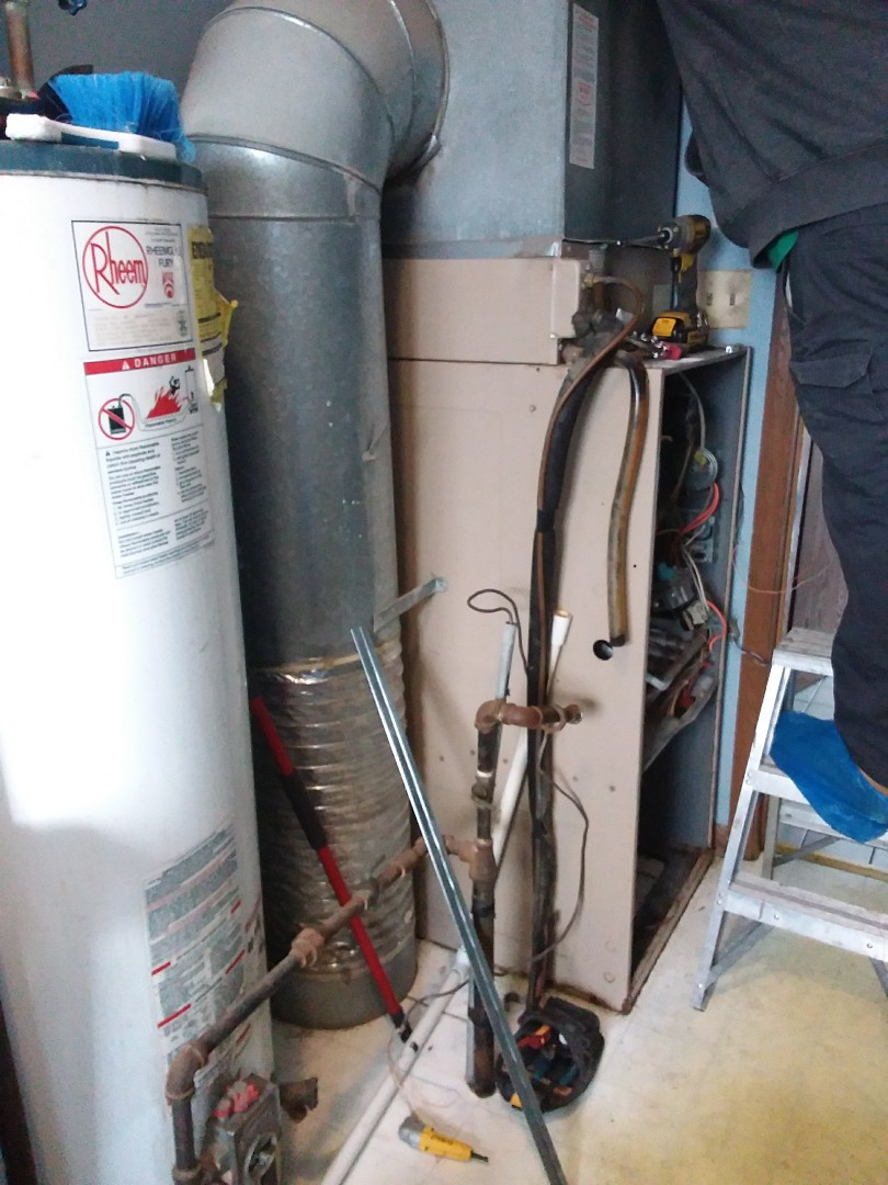 Frankfort, IL - Installing new carrier furnace replacing old york