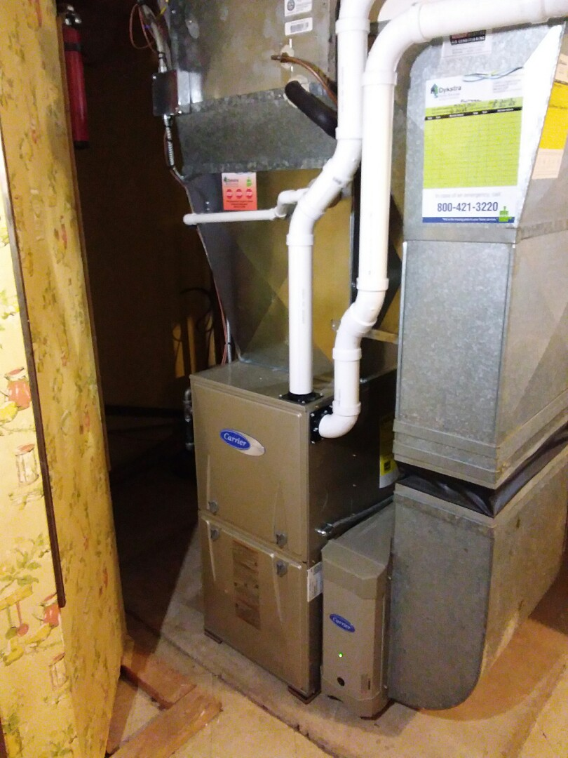 Elmhurst, IL - New high efficiency carrier furnace with new chimney liner
