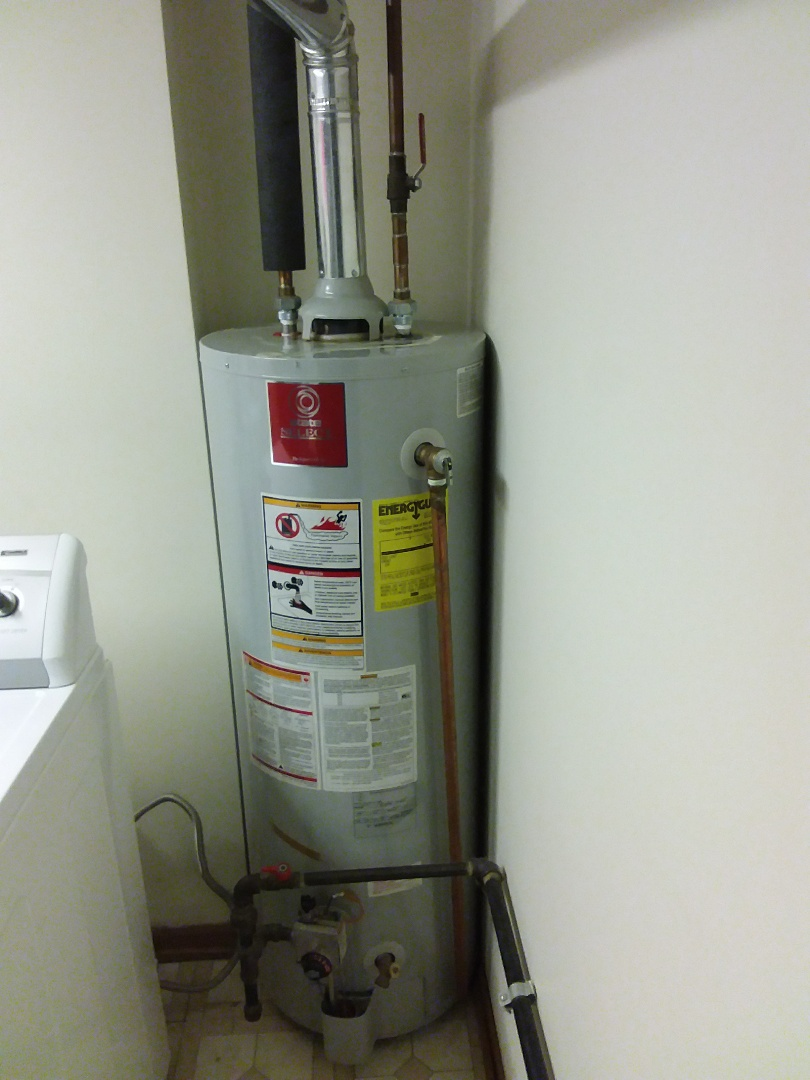 Orland Park, IL - Installation of Bradford white 40gal hot water heater,  replace old state select 40gal hot water heater