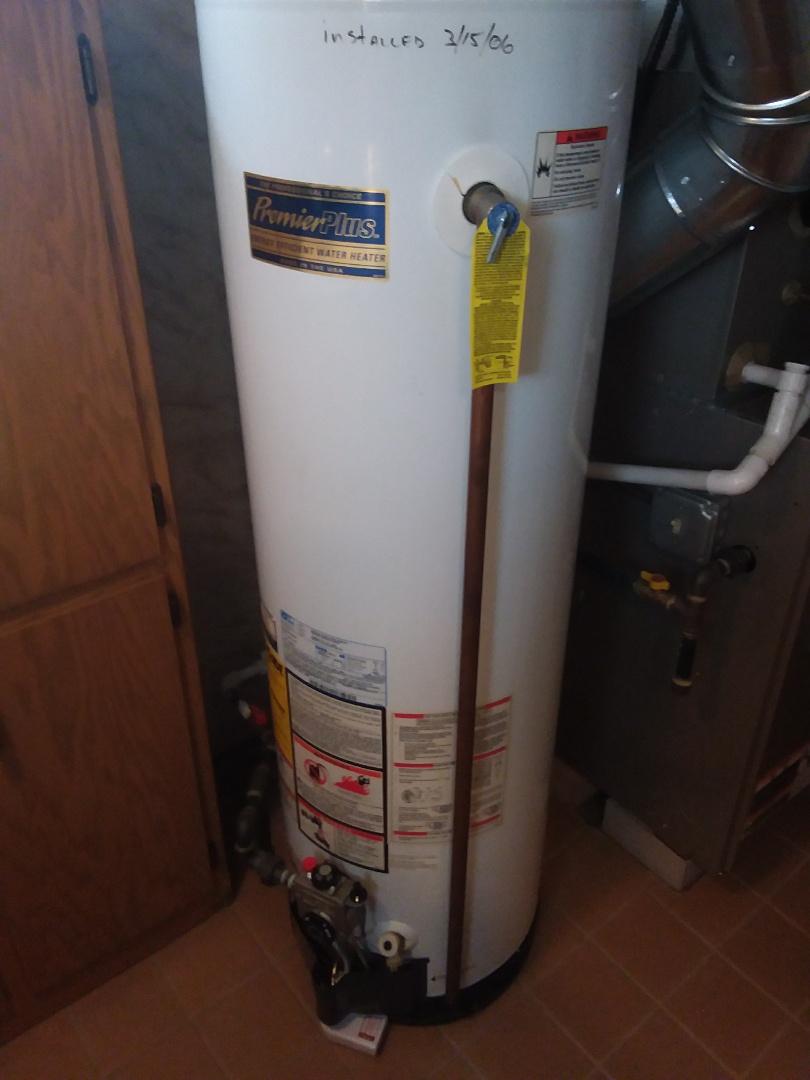 Chicago, IL - Repairing hot water heater