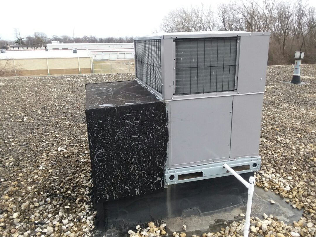 Crestwood, IL - New rooftop unit at true green landscaping