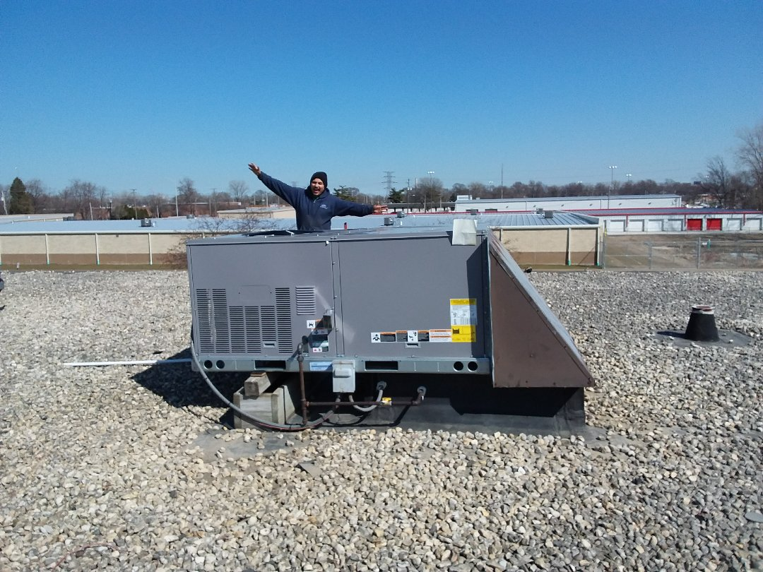 Crestwood, IL - Carrier rooftop unit replacement