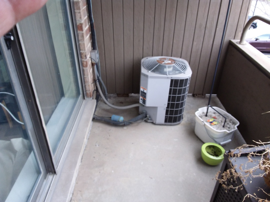 Hazel Crest, IL - Installation of new carrier air conditioner replacing old carrier air conditioner
