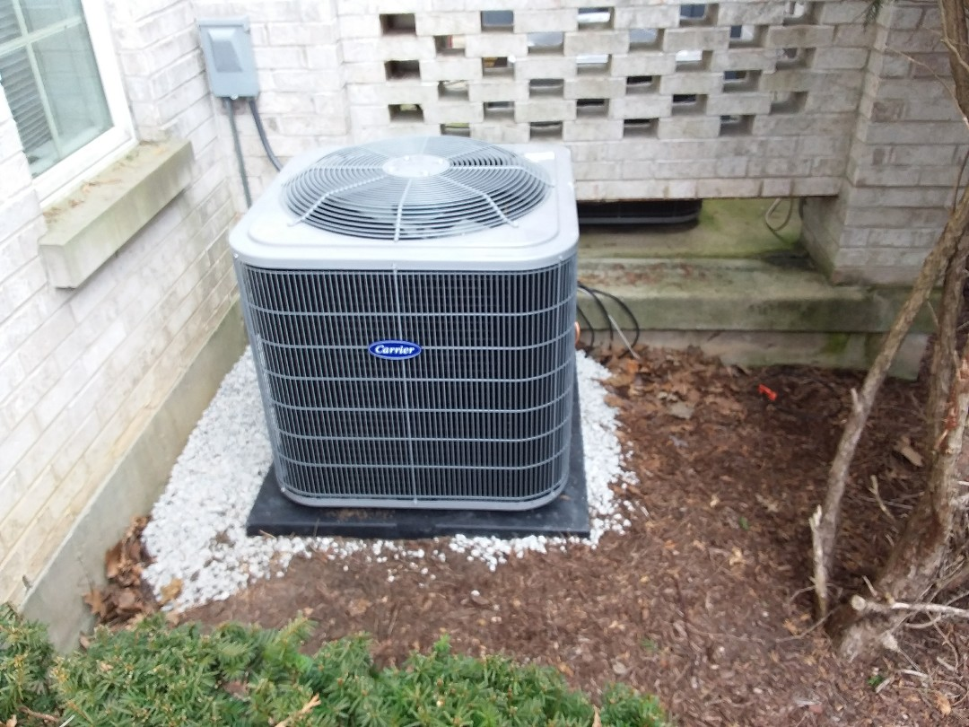 Burr Ridge, IL - Installation of new carrier air conditioner replacing old trane air conditioner