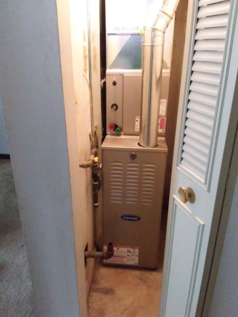 Oak Lawn, IL - Installation of new carrier furnace replacing old carrier furnace