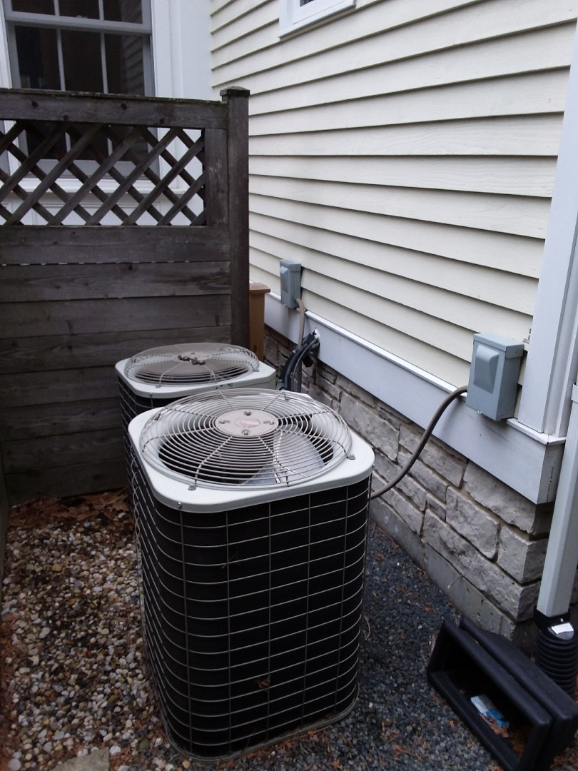 Glenview, IL - Installation of carrier air conditioner replace old Bryant air conditioner