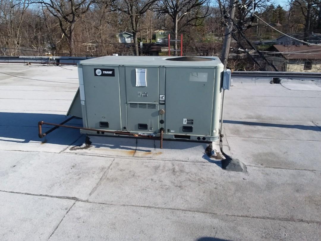 Lisle, IL - Trane rooftop changeout