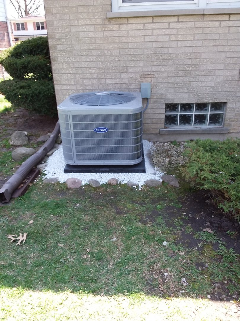 Glenwood, IL - Carrier air conditioning system installation