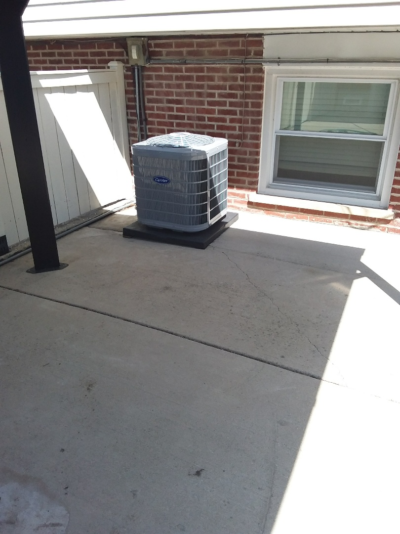 Oak Lawn, IL - Carrier air conditioning system installation