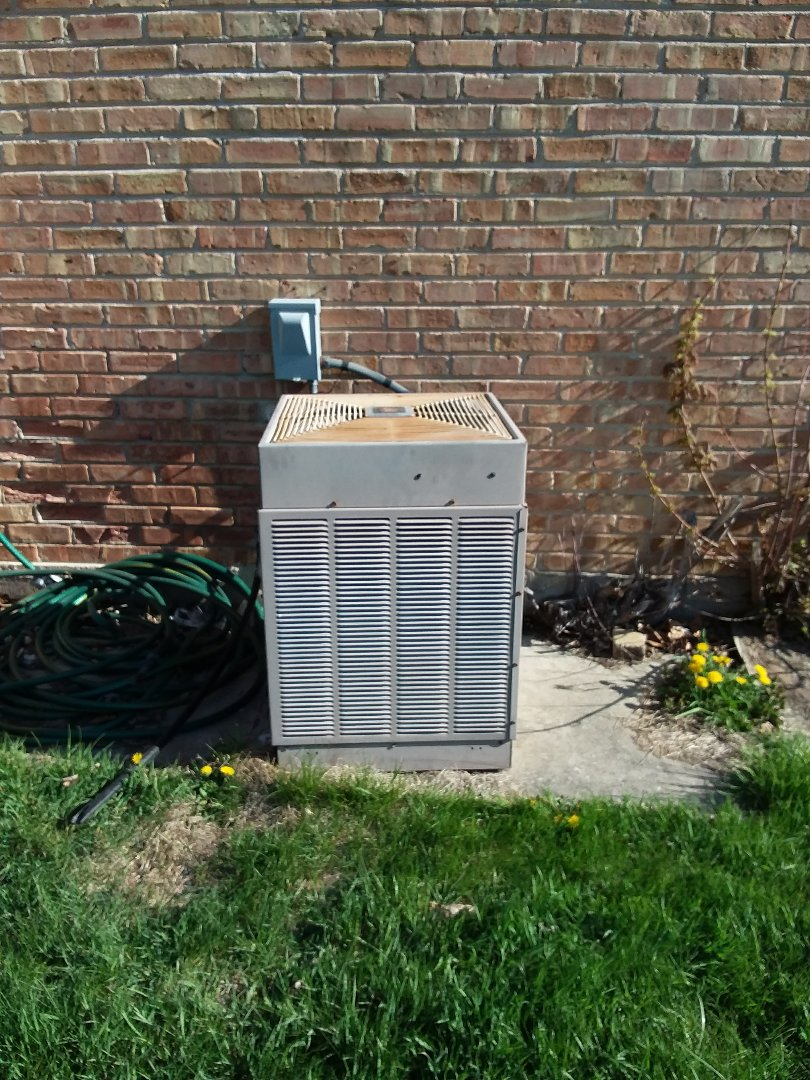 Villa Park, IL - Installation of new carrier air conditioner replacing old ge air conditioner