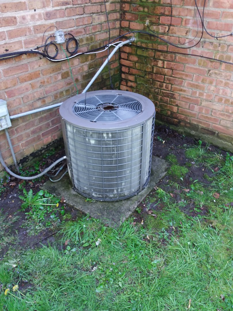 Bridgeview, IL - Maintaining a York AC unit