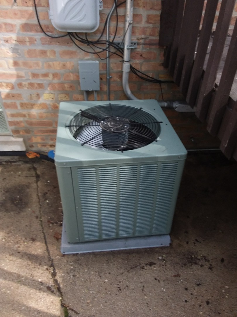 Chicago, IL - Maintaining a Rheem AC unit