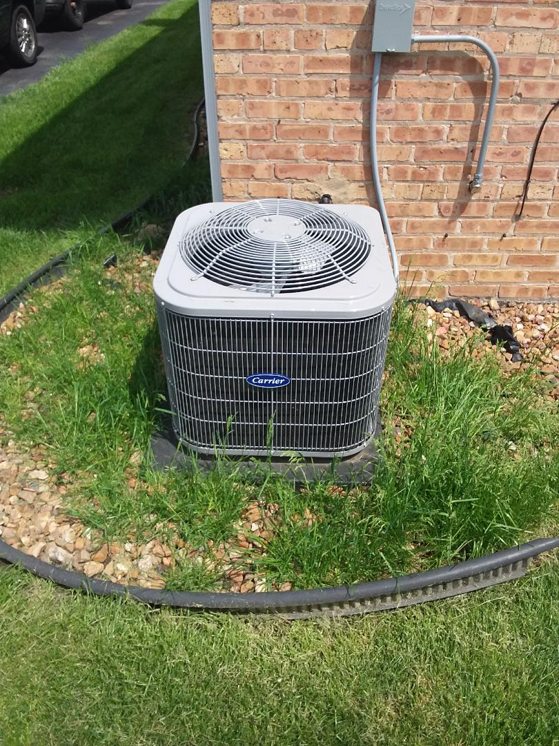 Midlothian, IL - Maintaining a Carrier AC unit