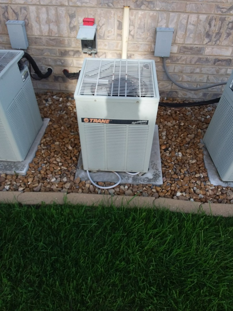 Crestwood, IL - Maintaining a Trane AC unit