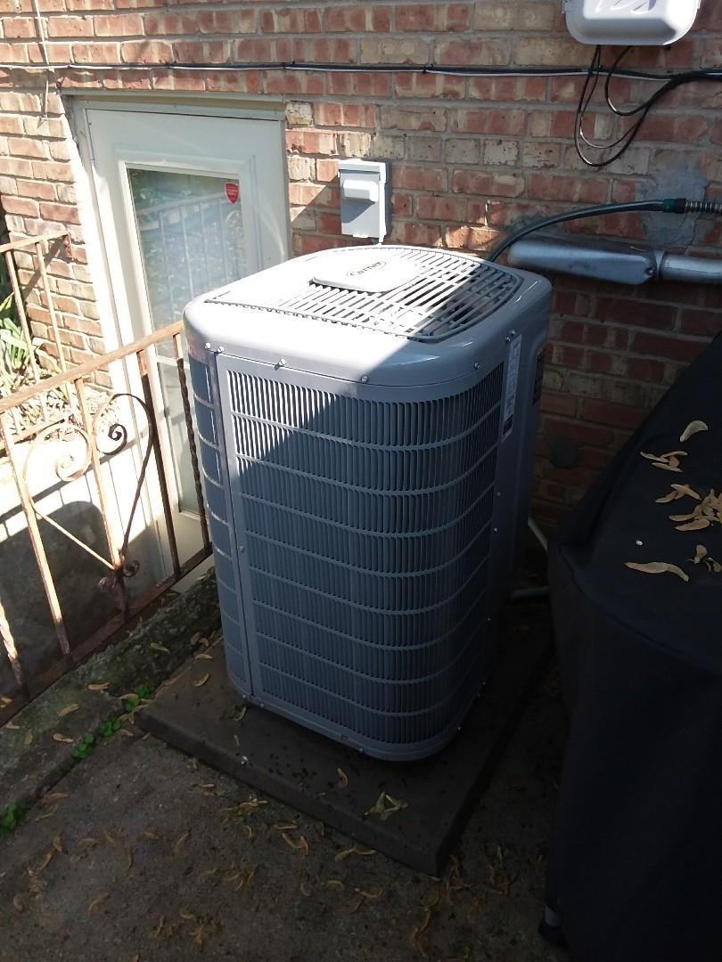 Oak Lawn, IL - Maintaining a Carrier AC unit